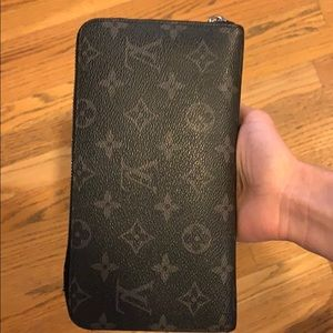 Louis Vuitton black zip around wallet